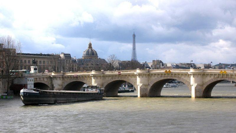 новый мост париж