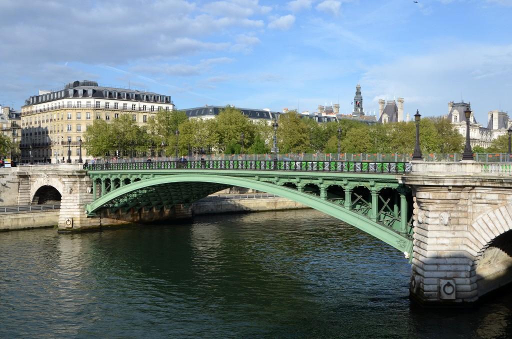 Мост Нотр-Дам Париж