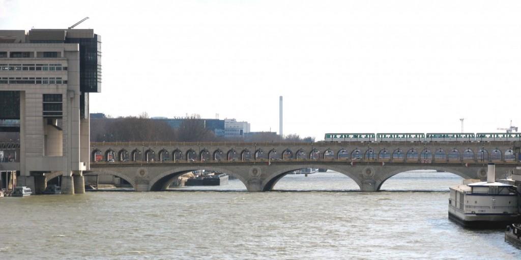 Мост Берси Париж